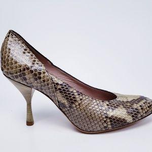 COOP BARNEYS NEW YORK Pumps Snake Shoes Size. US 8